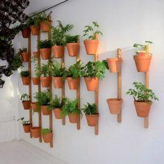 Un huerto vertical es una genial idea no solo ahorran un motón de espacio sino