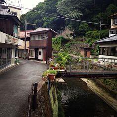 温泉街の雰囲気、大好き♡ #30jidori @ 俵山温泉 白猿の湯 instagram.com/p/aU8rBUln29/