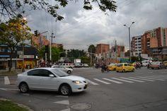 Antes del día sin carro 2012 en Medellín. Lugar: Av Bolivariana con carrrera 65. Fecha: 19 de abril de 2012 - 5:43pm