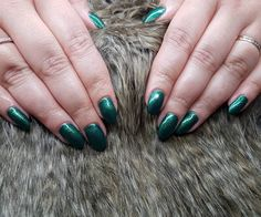 #photo #instapic #nofilter #art #instalove #awesome #prilaga #beautiful #followme #hot #fashion #instacool #greennails #green #nails Round Shaped Nails, Green Nails, Insta Pic, Rings For Men, Awesome, Box, Beauty, Beautiful, Instagram
