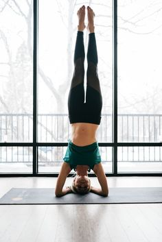 Yoga, headstand, blogger, fitness