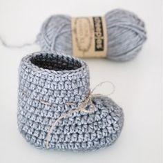 Bettysockor och Bettyvantar & Made By Betty Crochet Socks, Diy Crochet, Crochet Baby, Knitted Hats, Crochet Ideas, Baby Knitting Patterns, Crochet Patterns, Baby Barn, Baby Uggs