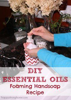 DIY Essential Oil Foaming Handsoap @juliekieras