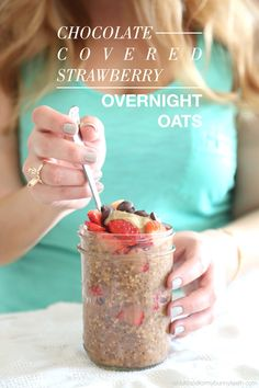 E - Chocolate Covered Strawberry Overnight Oats - 1/2 cup strawberries 1/2 cup almond milk 1/4 cup Oats 1 Tbsp chia seeds 1/2 Tbsp unsweetened cocoa powder 1/4 tsp pure vanilla extract