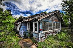 Abandoned home in the ghost town of Picher, Oklahoma