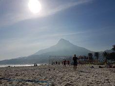 (1) beachvolleyballLuSim (@beachLuSim) | Twitter Cape Town, Mount Rainier, South Africa, Mountains, Twitter, City, Beach, Travel, Outdoor