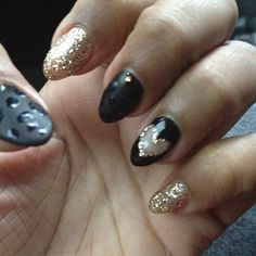 Carmelo Anthony's wife Lala showed off her nail art. LOVE the take down of the pointy nail look.