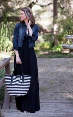Daily denim jacket outfit ideas for women girl Black Dress Outfits, Maxi Outfits, Modest Outfits, Modest Fashion, Spring Outfits, Trendy Outfits, Fashion Dresses, Cute Outfits, Dress Black