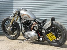 Mean looking bike. Love the ducktail fender and the dirt tires. A good role model for my build.