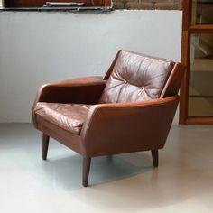 Ontwerper: onbekend<br />- Type : deense leren fauteuil 60s<br ...
