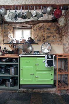 Gaaf fornuis van Esse Cookers, met twee ovens: bakoven en sudderoven.
