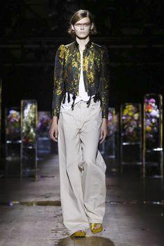 Dries Van Noten Fashion Show Ready to Wear Collection Spring Summer 2017 in Paris