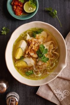 I warp up Soto Ayam (Classic Indonesian aromatic chicken soup) to be the beat of today posting. I have finally made it uncovered af. Soto Ayam Recipe, Soup Recipes, Cooking Recipes, Dishes Recipes, Punch Recipes, A Food, Good Food, Vegan Food, Asian Recipes
