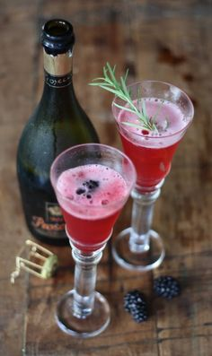 Blackberry, Rosemary & Prosecco  In a pan 2c. blackberries, 1/2c. sugar,  2/3c. water and 2tea. rosemary.  Simmer 10 min. till thick ..strain & chill .. pour over ice add Prosecco.