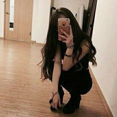 just to fill in spare time . Korean Girl Photo, Cute Korean Girl, Asian Girl, Ulzzang Girl Selca, Ulzzang Korean Girl, Aesthetic Body, Aesthetic Girl, Girl Photo Poses, Girl Photos
