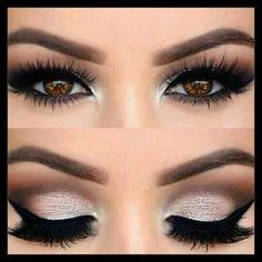 El maquillaje de noche se caracteriza por ser más cargado que el de día, sin