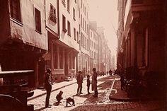 <p><strong>W. Scheiner: Am Buttermarkt, um 1890</strong>. Foto: Kölnisches Stadtmuseum</p>