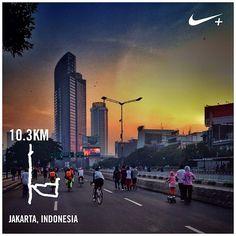 #nikeplus #morningrun #myrun #running #goodmorning #cfd #carfreeday #instarunner #instatunners #laripagi #lari #selamatpagi #sundaymorning #menteng #jakarta #indonesia #sunrise