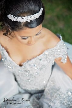 Quinceanera dresses and quinceanera photography in La Quinta. Quinceanera poses in Palm Springs, CA. Picture by Lisandro Rivera Photography (310) 629-5575