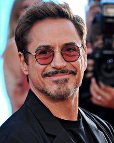 Image may contain: 1 person, eyeglasses, beard and closeup Hero Marvel, Marvel E Dc, Marvel Actors, Marvel Avengers, Robert Downey Jr., Iron Man Wallpaper, Iron Man Tony Stark, Downey Junior, Hollywood Actor