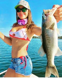 Fishing girls - fishing photography - My vacation today is so fun, I just caught this fish, #fishingforlife #fishinglife #fishinggirl #girl #fishingwomen #women #vacation #fishingtrip #boatfishing #boatfishingtrip #seafishing #seafishingtrip #letsgofishing #fishingadventure #adventure #fishingallday #justfishing #fishingphotography #fishingphoto #seatrip #outdoorsport #sport #outdoor