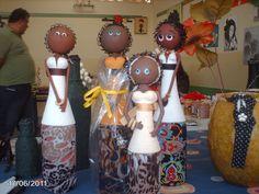 JPSArtes.: Bonecas feitas com garrafas e massa de biscuit.