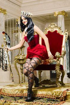 Katy Perry: Killer Queen Behind The Scenes, 2013