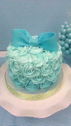 bow cake so cool lets make it :)