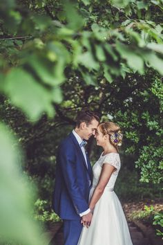 Fun and Quirky Wedding in England | Image by Claire Penn Photography