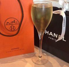 Old Money, Dream Life, The Hamptons, Champagne, Lights, Paris, Classy, Montmartre Paris, Chic