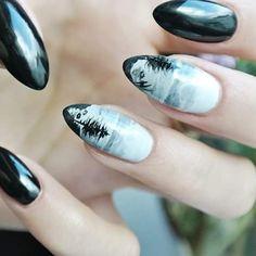 Mini obraz. #odetteswan #nailart #instanails #nailsforever #nails4instagram…