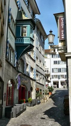 Zurich Old Town - love this quaint shopping area!