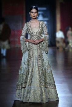 Rimple and Harpreet Narula - Amazon Couture Week 2015 Model - Aditi Mishra #indianfashion
