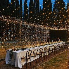 wedding fairy lights wedding lights Wedding Trends: Our Big Predictions for 2020 Cabin Wedding, Wedding Dinner, Rustic Wedding, Church Wedding, Night Wedding Photos, Wedding Night, Outdoor Night Wedding, Outdoor Wedding Lights, Wedding Ideas Evening