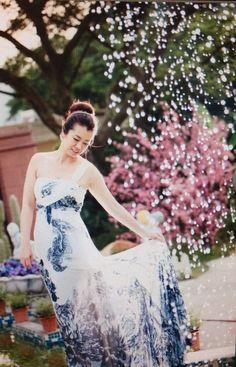 Loving this post. #fashion #clothes #bride # hot #hair style #star #dress #wedding