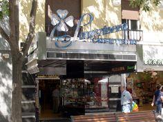 Somosierra cafetería situada en la calle Fuencarral.