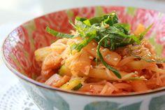 Kimchi Bibim Guksu Raw Food Recipes, Delicious Recipes, Cooking Recipes, Tasty, Yummy Food, Korean Dishes, Korean Food, Korean Kitchen, Korean Recipes