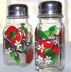 Red Apples Salt and Pepper Shakers by BonnysBoutique on Etsy