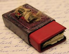 Crafty Bitz : Tutorial - How to make an Altered matchbox book cover & Mini book