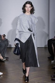 See the complete Gabriele Colangelo Fall 2017 Ready-to-Wear collection.
