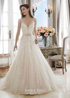 39 nejlepších obrázků z nástěnky Svatební šaty  80ec1d6890