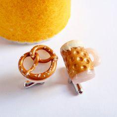 Ein Maß Bier und Biergarten Brez'n Manschettenknöpfe - Miniatur Food Art Jewelry by Schickie Mickie 100% handgemacht