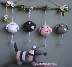 New Crochet Baby Toys Mobiles Etsy Ideas Crochet Baby Mobiles, Crochet Mobile, Crochet Baby Toys, Crochet Birds, Crochet Amigurumi, Crochet Art, Easy Crochet Patterns, Crochet Animals, Amigurumi Patterns