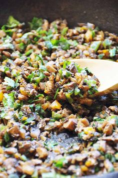 Smoky Mushroom Tinga (Vegan and Gluten-Free) This savory, umami, meaty vegetable tinga recipe is made with mushrooms, roasted poblano pepper, onions, bell pepper, and spices. The perfect filling for your favorite Mexican dish. www.veganosity.lcom