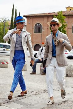 Get Motivation for Your own Style From Pitti Uomo Street Style!Fashion and Glow Mode Masculine, Sharp Dressed Man, Well Dressed, Classy Casual, Men Casual, Smart Casual, The Sartorialist, Elegant Man, Best Mens Fashion