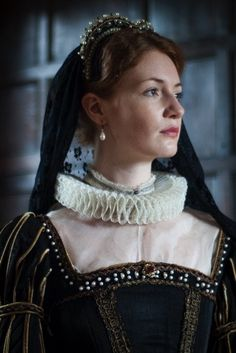 Mary Queen Of Scots – Richard Jenkins Photography Tudor Costumes, Victorian Costume, Period Costumes, Richard Jenkins, Anne Of Cleves, Catherine Of Aragon, Mary Stuart, Mary Queen Of Scots, Her Majesty The Queen