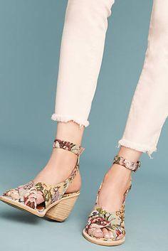 Centinela Brocade Sandals