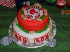 for the red soxs fans  i dont follow baseball (i jest tink da cakes cool)