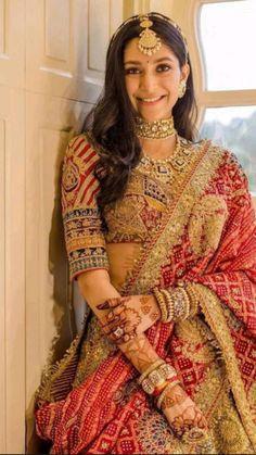 Indian Bridal Photos, Indian Bridal Makeup, Indian Bridal Outfits, Indian Bridal Wear, Latest Bridal Lehenga, Indian Bridal Lehenga, Indian Gowns Dresses, Indian Fashion Dresses, Bridal Dresses