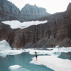 Be Visually Inspired! 📷 by: @kent johns #artofvisuals #aov #bevisuallyinspired! Location: Grinnell Glacier—————————————————————— New preset packs added to the store. Click the link in the bio to find our more! —————————————————————— 👉🏼Artofvisuals.com👈🏼